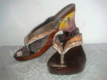 sandal wanita kelom geulis tasik