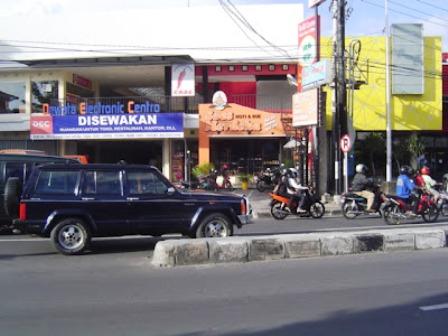 sewa ruko dan kantor di Bali, Gedung Dewata Centro